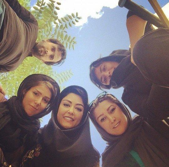 http://s6.picofile.com/file/8225542784/www_bartarpix_ir_shaghayeg_farahani_2_.jpg