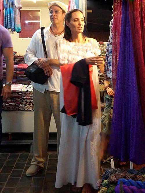 تیپ جالب آنجلینا جولی و برد پیت در حال خرید , چهره های معروف