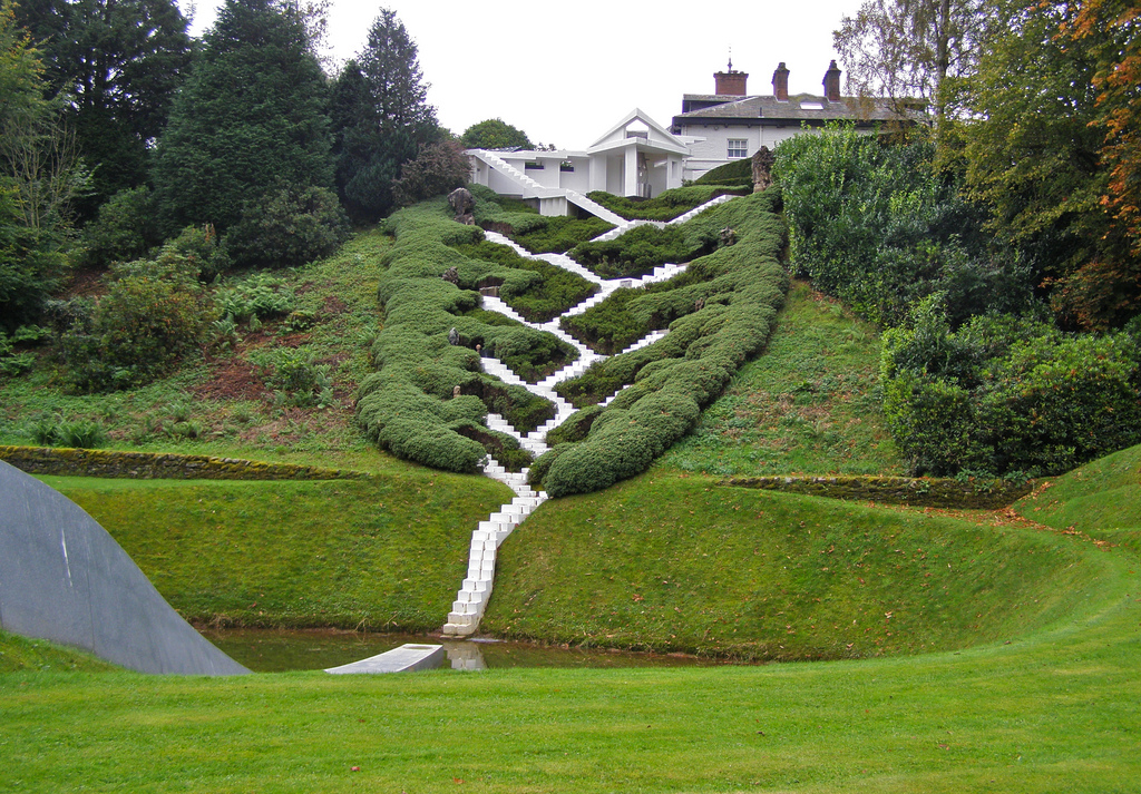 The Garden of Cosmic Speculation  Scotland - خیالبافی