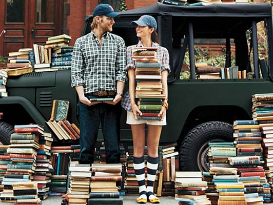 http://s6.picofile.com/file/8231632550/Two_people_Books_03.jpg