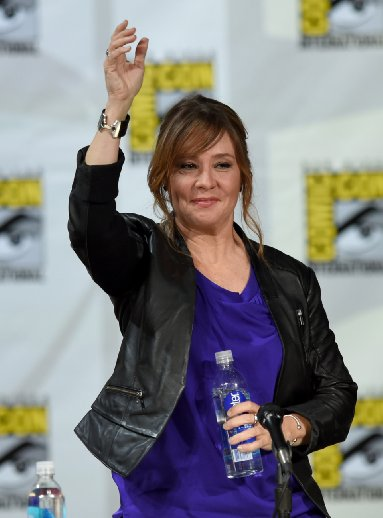 http://s6.picofile.com/file/8231690576/Megan_Follows_4.jpg