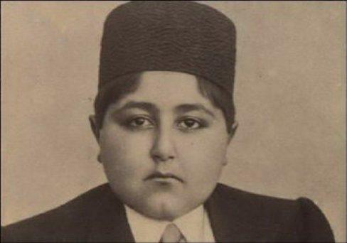 احمد شاه در سن 13 سالگی