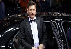 دانلود فیلم اهدای توپ طلا 2015 به مسی,