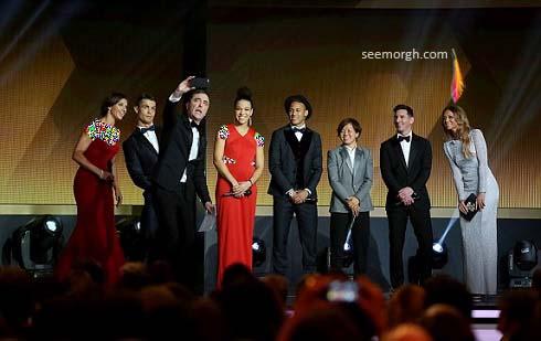 سلفی متفاوت و جالب مجری مراسم توپ طلای 2015 , اخبار ورزشی