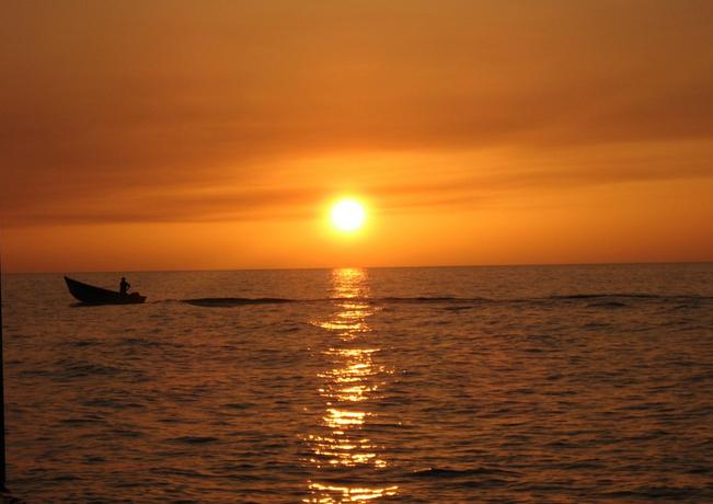 آفتاب و قایق