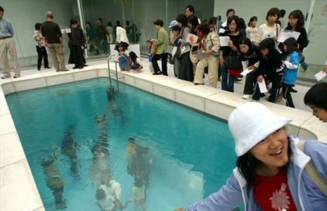 استخر مختلط  عجیب ، در ژاپن + عکس , جالب وخواندنی