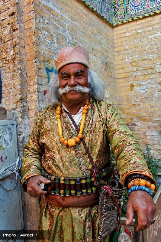 لباس قدیمی - سرای مشیر - شیراز