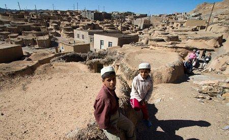 ماخونیک روستایی عجیب و بدون خوشگذرانی