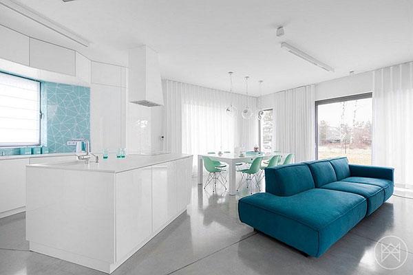 خانه ای با رنگ آبی