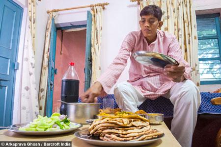 آرزوی ازدواج پسر هندی 3 متری +عکس , جالب و خواندنی