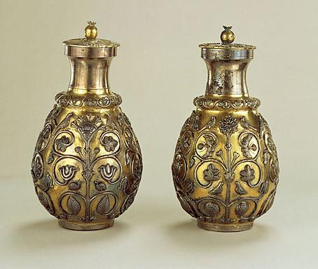 یک جفت ظرف شراب از دوره ی ساسانی