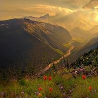 منظره فوق العاده زیبا از طبیعت بهاری کوهستان