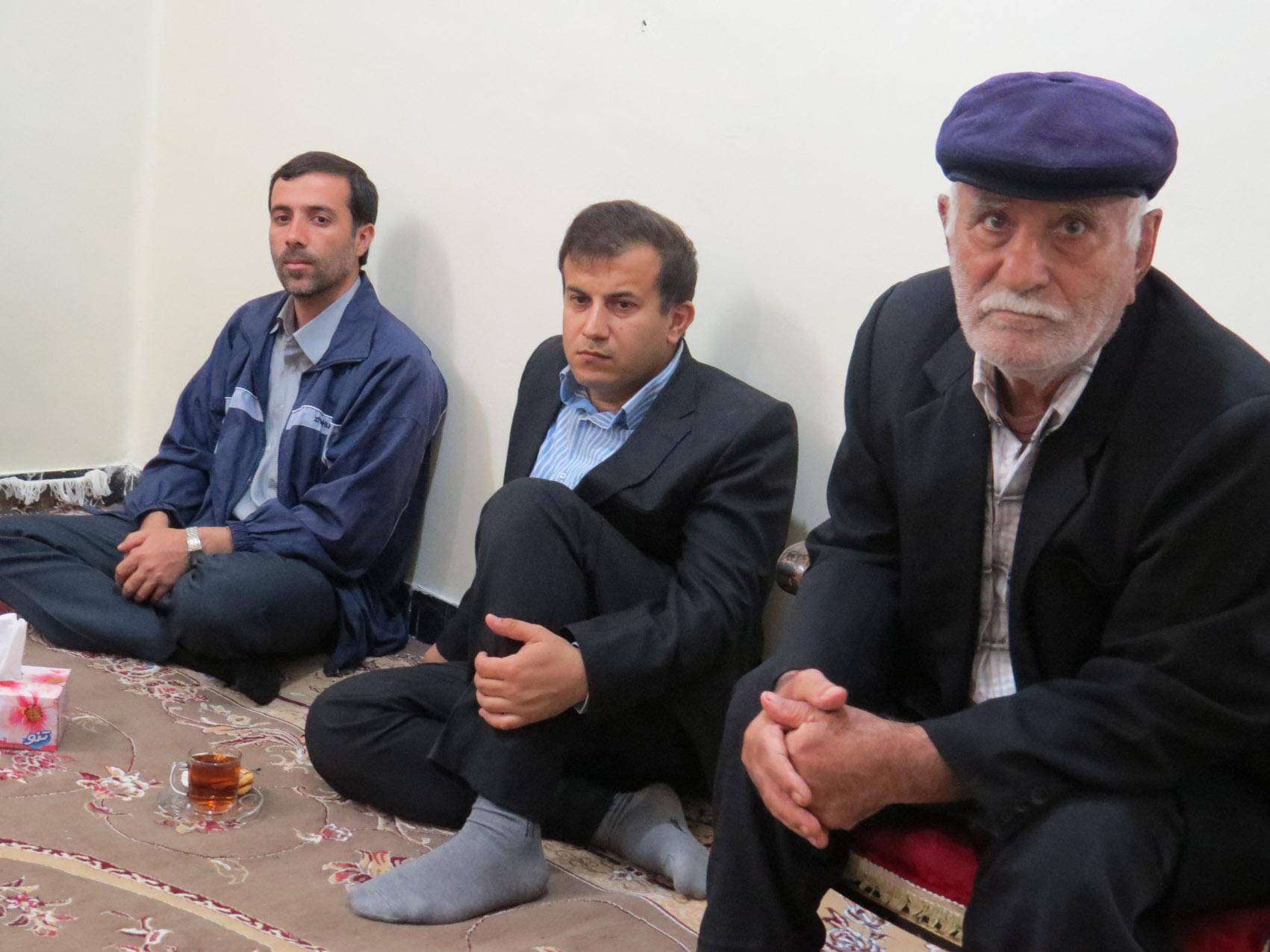 http://s6.picofile.com/file/8245013550/didar_shahid_khani_pn_behbahan_1_.jpg