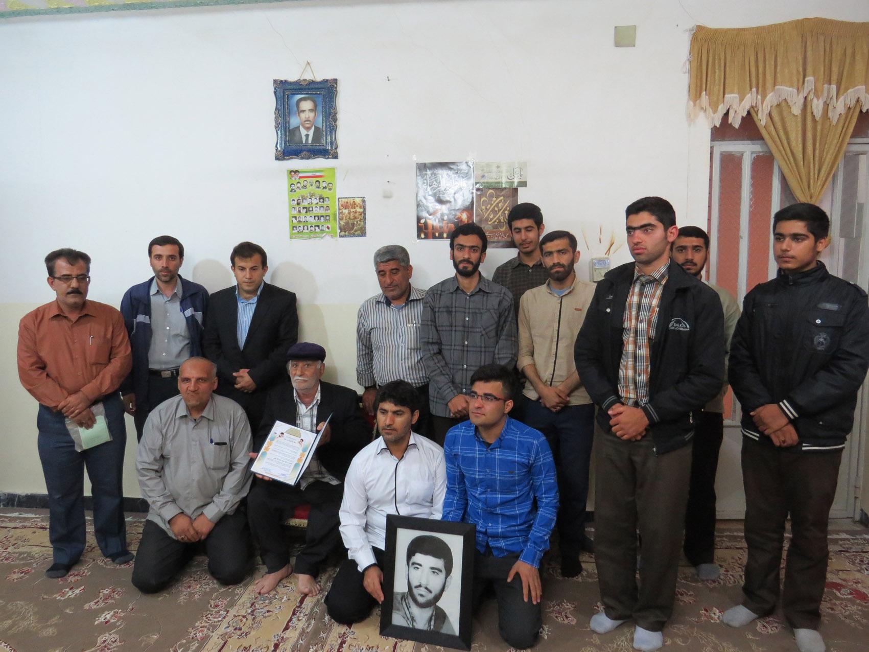 http://s6.picofile.com/file/8245013568/didar_shahid_khani_pn_behbahan_2_.jpg