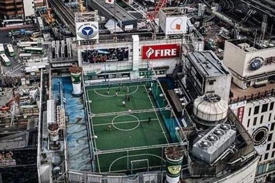 ساخت عجیبترین زمین فوتبال جهان +عکس , جالب و خواندنی