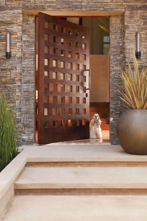 در منزل با دیزاین مدرن- در چوبی دکوراسیون