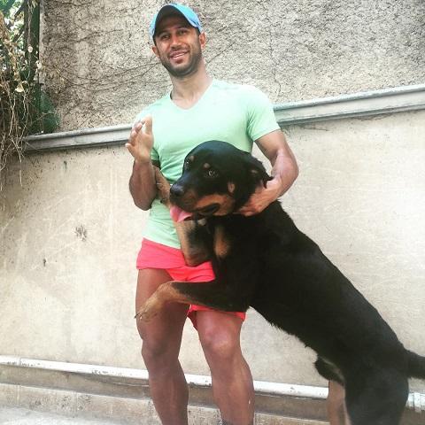 مهرداد اولادی و سگش