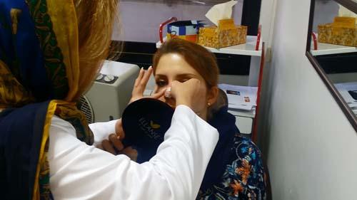جراحی بینی دکتر حسنانی - روش صحیح چسب زدن به بینی