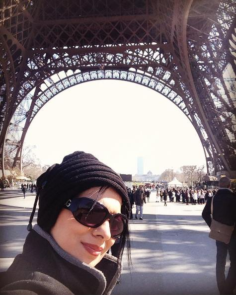 سلفی روشنک عجمیان درکنار برج ایفل , عکس بازیگران