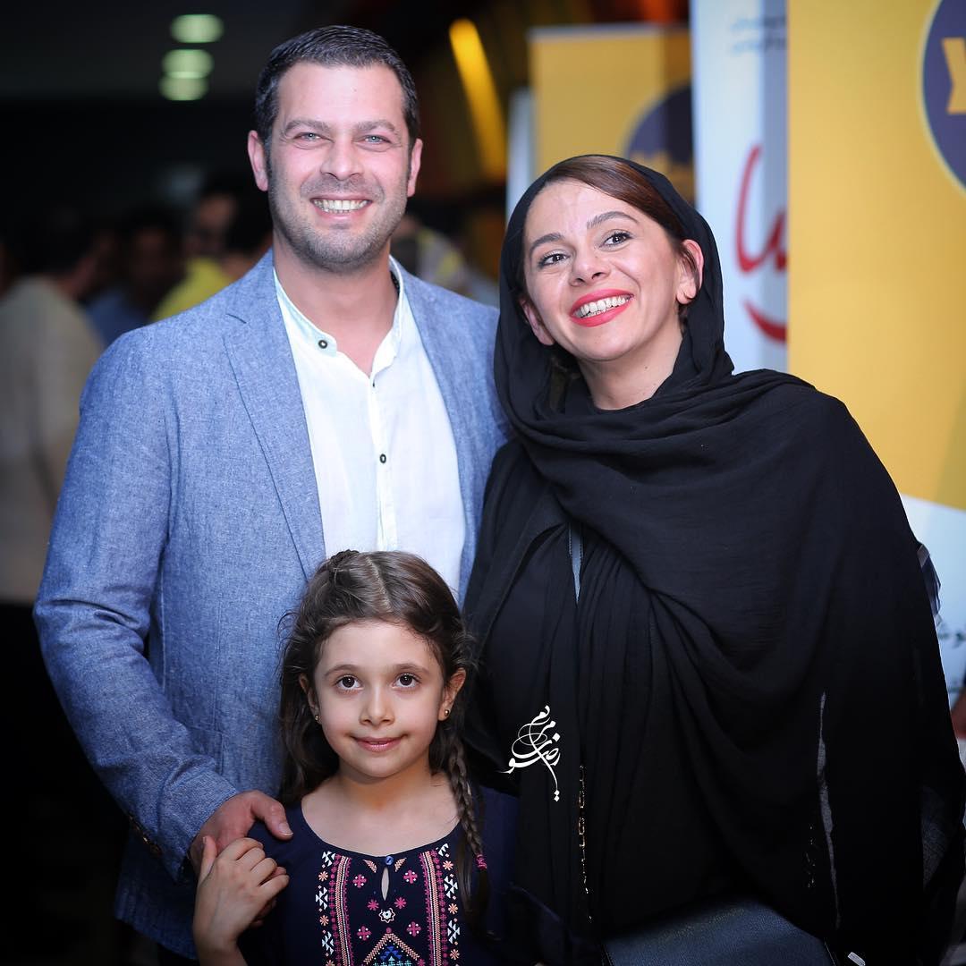 پژمان بازغی و همسر و فرزندش در اکران فیلم خنده های آتوسا