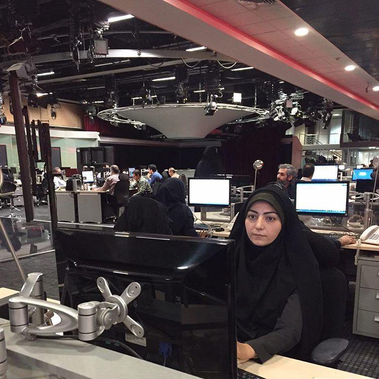 فائزه کشاورز مجری اخبار