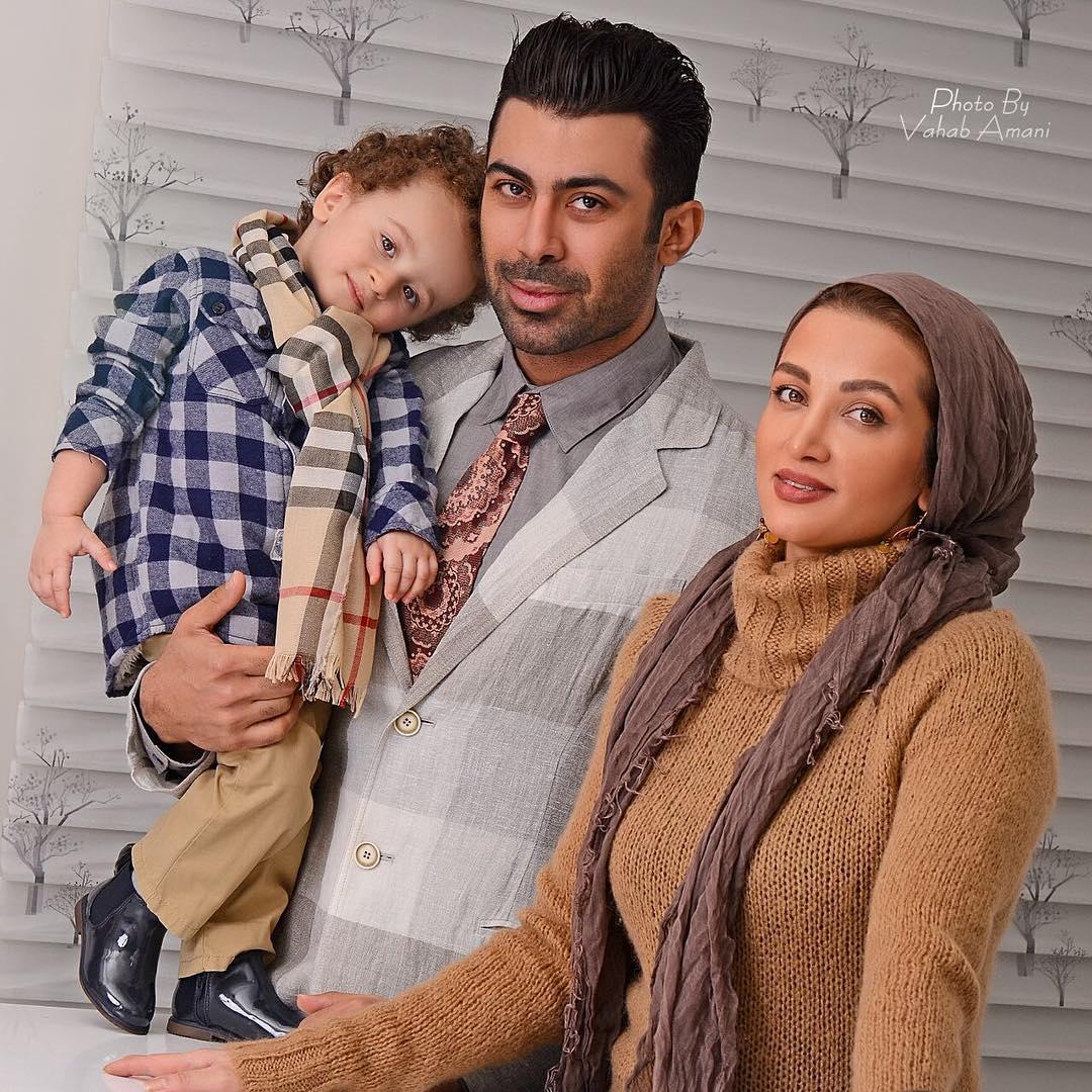 عکس روناک یونسی با همسر و فرزندش