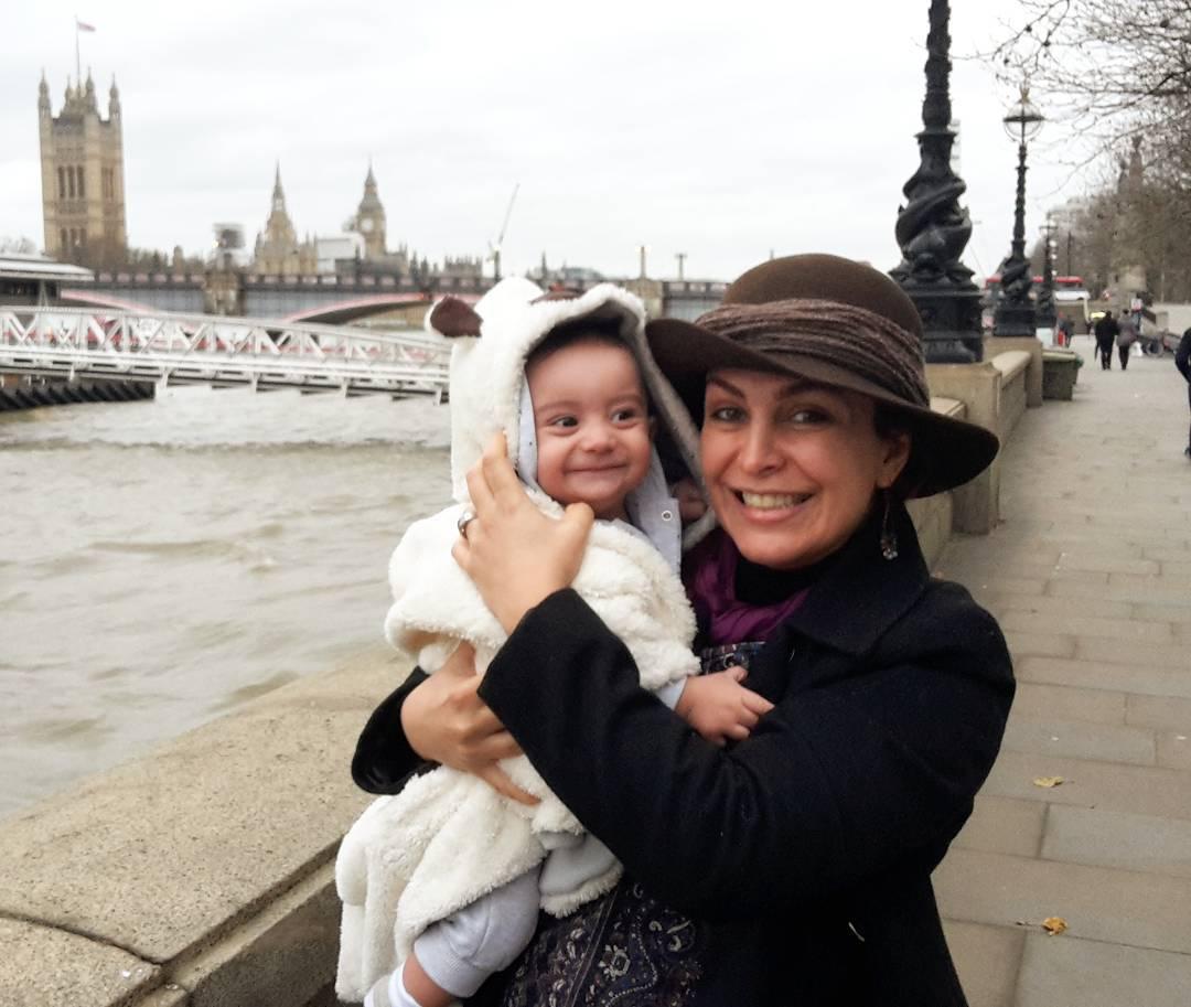 عکس شخصی ماه چهره خلیلی با فرزندش