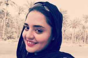 عکس نرگس محمدی و مادرش در بوشهر