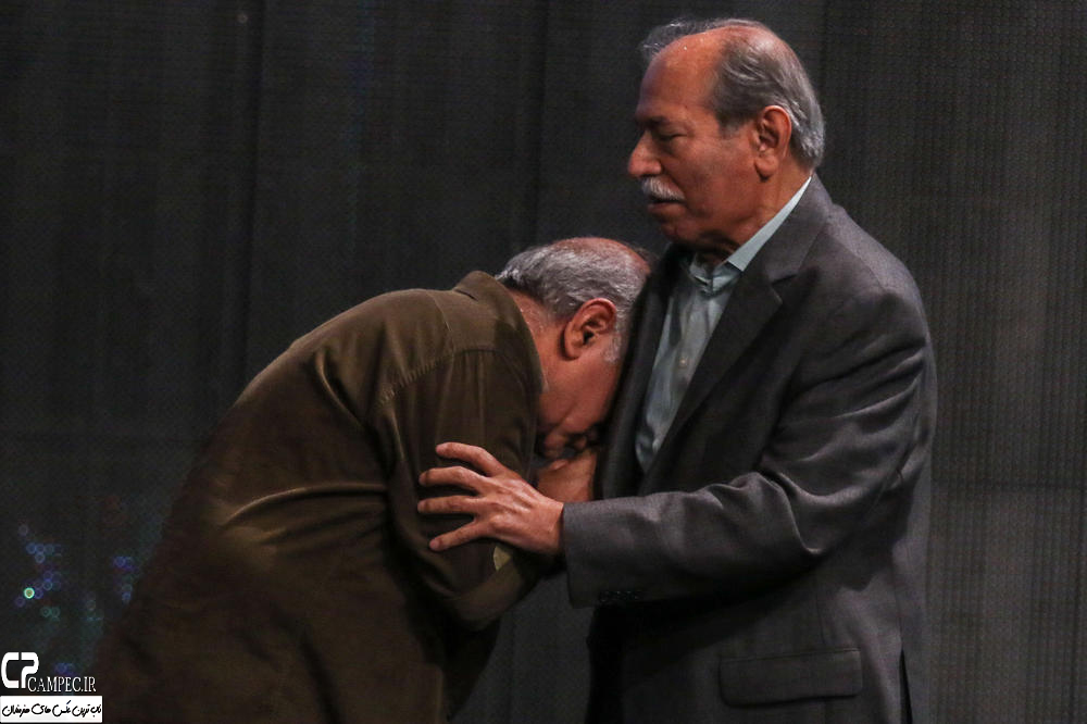 علی نصیریان و پرویز پرستویی در جشن پایان سریال شهرزاد