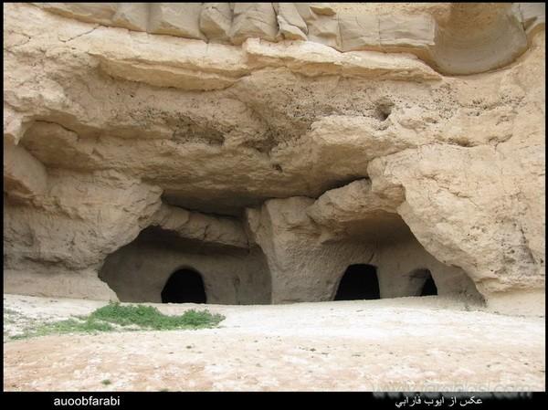 غار باستانی