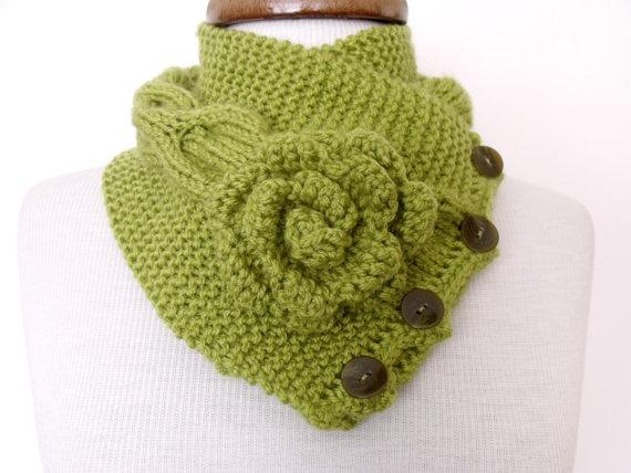 شال گردنی گل رز سبزرنگ