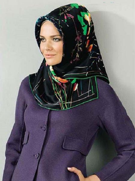روسری مارکدار زنانه مشکی