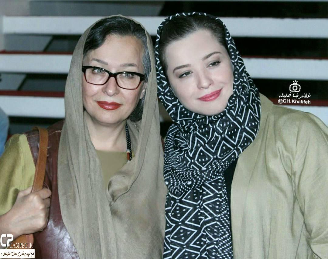 مهراوه شریفی نیا و مادرش  در رونمایی از مستند دره ستارگان