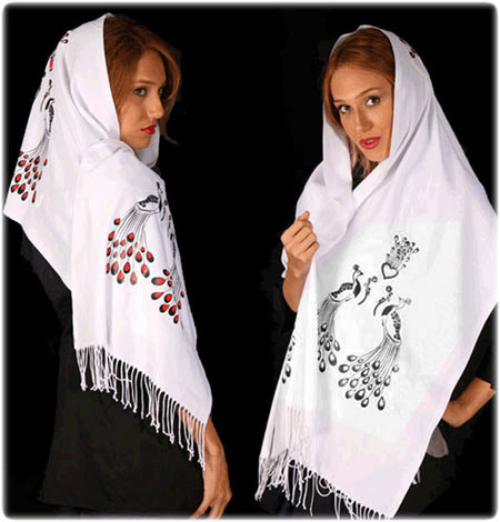 روسری قواره بزرگ طرح طاووس سفید