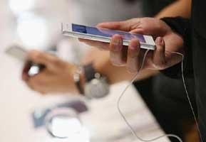 گوشی خود را با استفاده از USB و لپ تاپ شارژ نکنید!؟ , موبایل