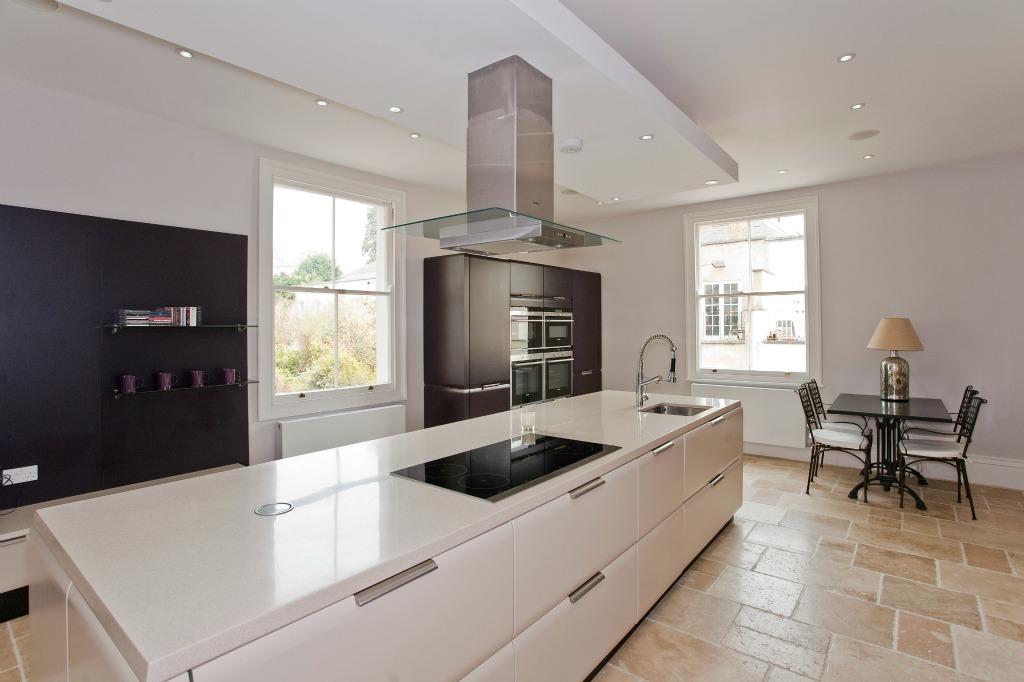 سفید استخوانی برای کابینت آشپزخانه