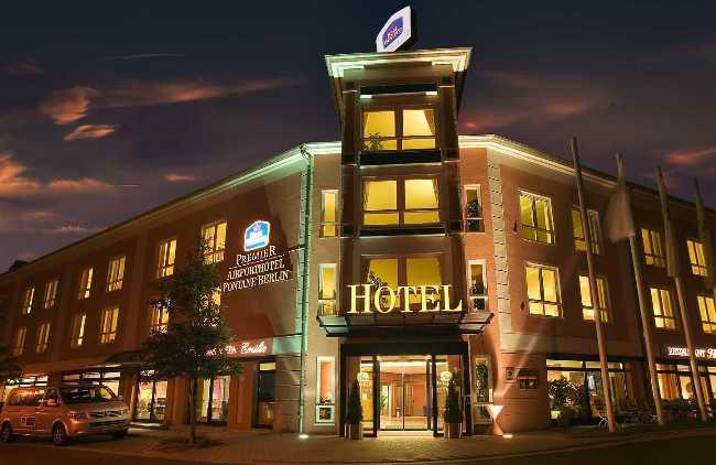http://s6.picofile.com/file/8254674918/hotel.jpg