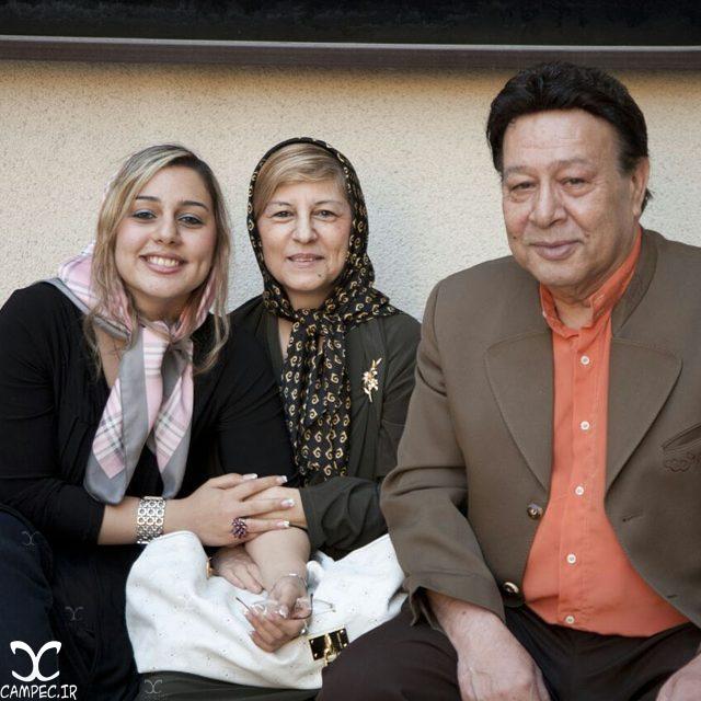 حسین عرفانی و همسر و دخترش