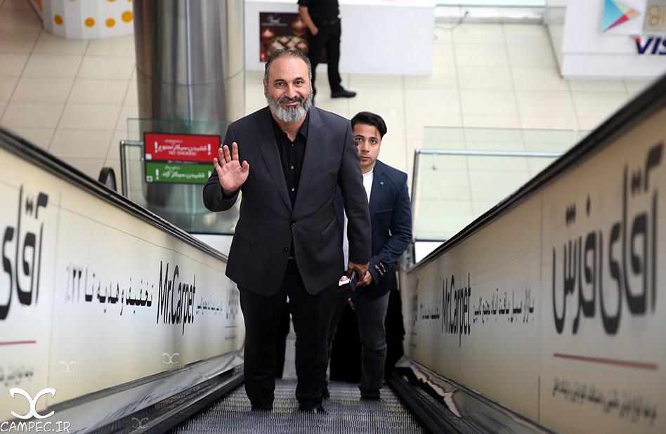 حمید فرخ نژاد در اکران فیلم ایستاده در غبار