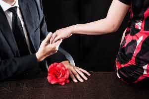 عوارض زیاده روی در رابطه جنسی چیست ؟ , همسرداری و ازدواج
