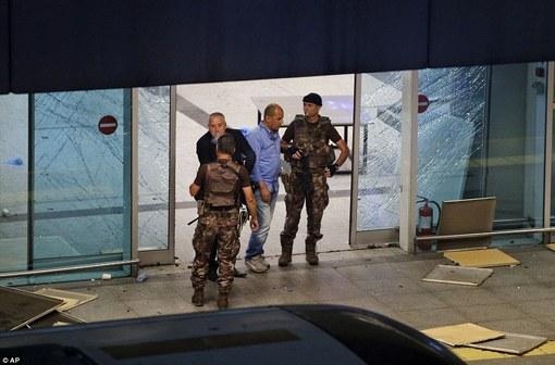 بمب گذاری در فرودگاه ترکیه