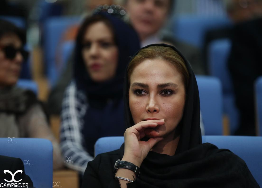 آنا نعمتی در مراسم افطاری حسن روحانی