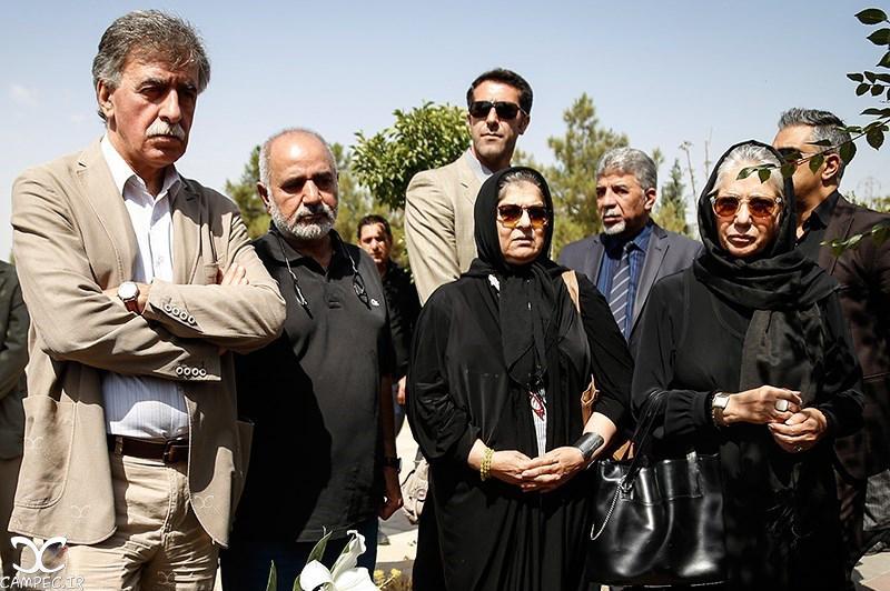 بازیگران در مراسم تشییع پیکر بهمن زرین پور