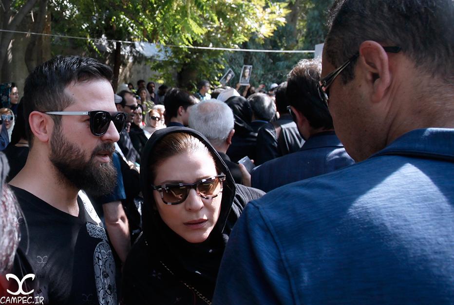 سحر دولتشاهی در مراسم خاکسپاری عباس کیارستمی