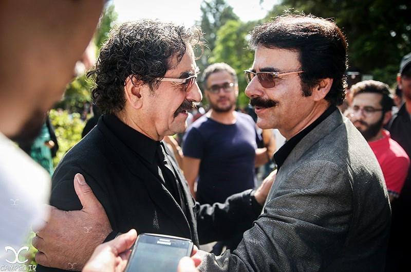 شهرام ناظری و علیرضا افتخاری در مراسم خاکسپاری عباس کیارستمی