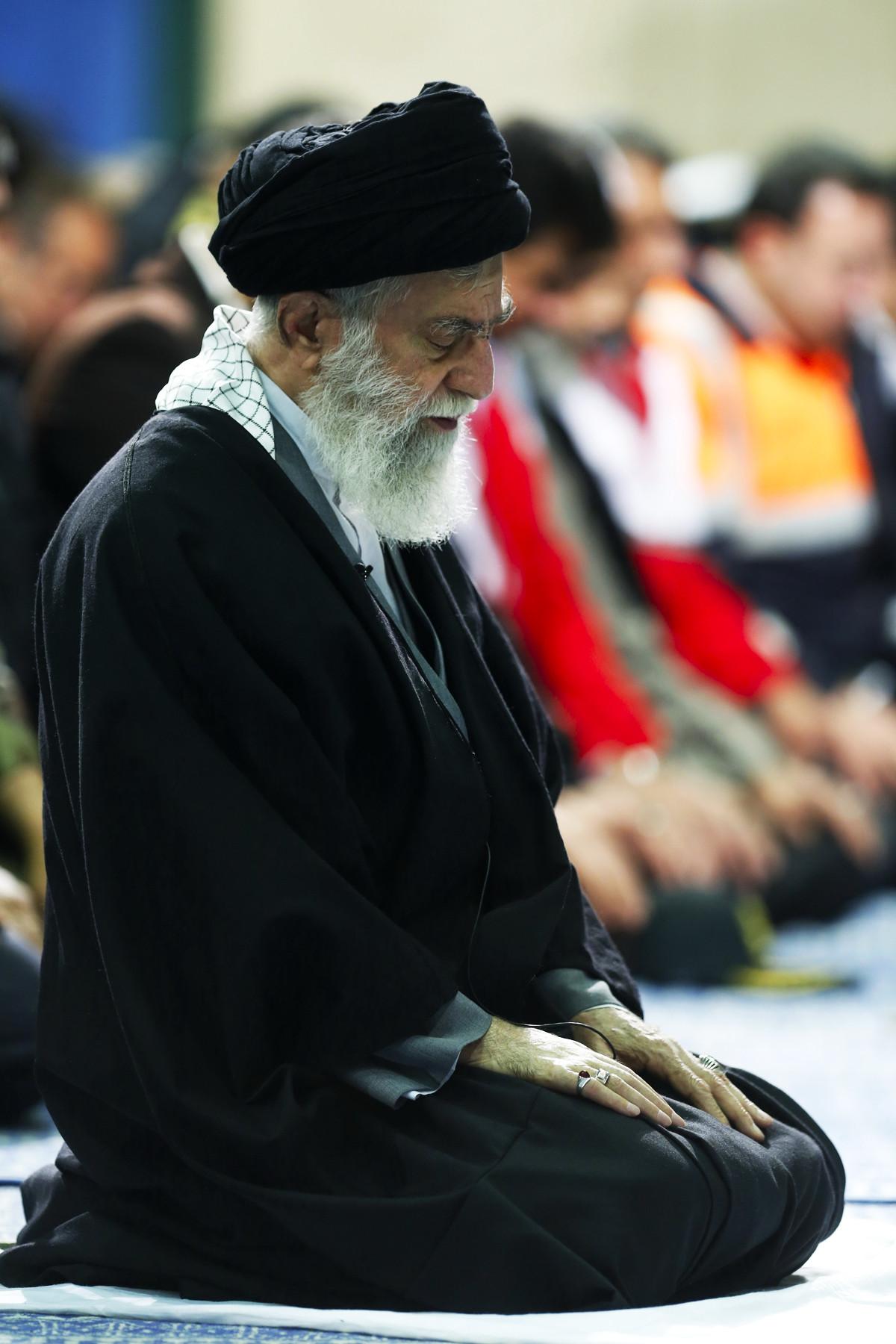 💠 نماز و رهبرى 💠