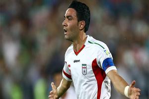 خداحافظی جواد نکونام از فوتبال | خیریه امام رضا | فیلم و عکس