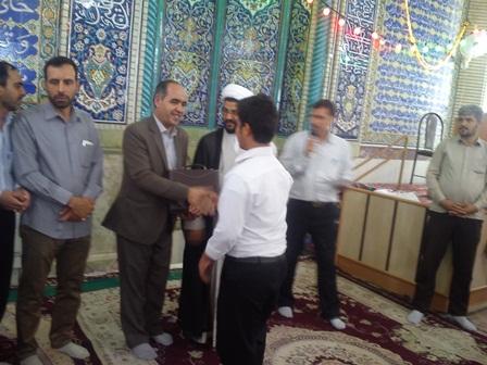 تقدیر از فعالان قرآنی در نماز جمعه