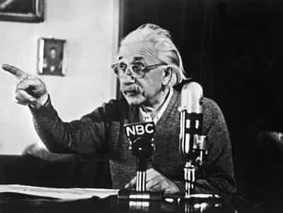سرگذشت مغز اینشتین: ۴۳ سال دردون یک شیشه و مسافرت در طول کشور با یک بیوک: