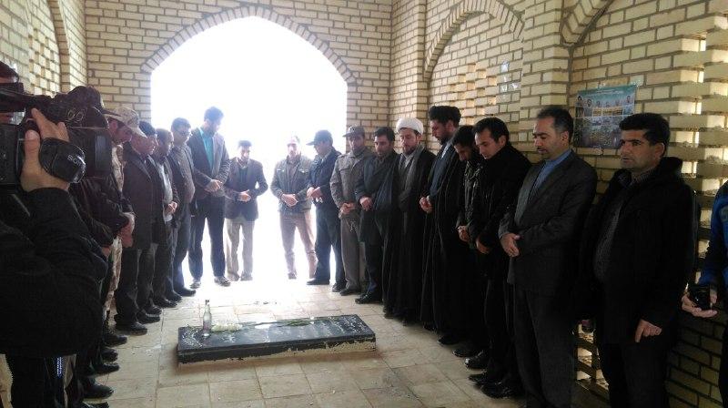 غبار روبی مزار شهدا به مناسبت دهه مبارک فجر